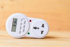 Digital electric plug timer for auto ON/OFF