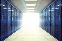 Digital erzeugter Serverraum mit Türmen Stockfotos