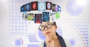 Digital erzeugtes Bild der Geschäftsfrau Fliegenplatten betrachtend Stockbilder