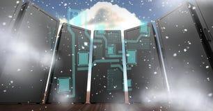 Digital erzeugtes Bild von Servern mit verschiedenen Ikonen im Himmel Stockfotos
