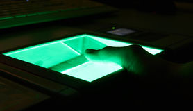 digital fingeravtryckscanning för cybersecurity arkivfoton