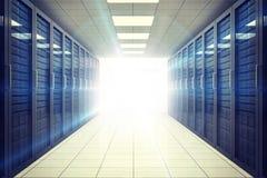 Digital frambragt serverrum med torn Arkivfoton