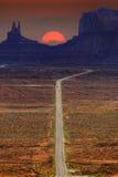 Digital geschaffenes Bild einer Fahrbahn, die zu Monument-Tal führt Stockbilder