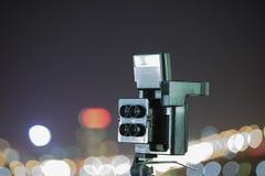 Digital kamera nattsikten av staden Arkivbild