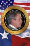 Digital komposit: President George W Bush, amerikanska flaggan och den statliga flaggan av Texas Arkivfoton