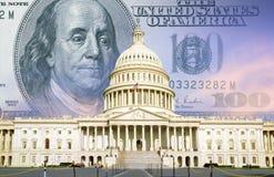 Digital komposit: U S Kapitolium med hundra dollarräkning Royaltyfri Bild