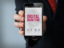 Digital-Marketing-Geschäftsmann Smartphone stockbild