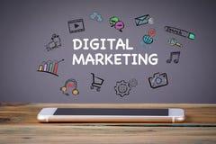 Digital marknadsföring, massmediateknologibegrepp royaltyfri foto