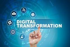 Digital omformning, begrepp av digitization av affärsprocessar och modern teknologi arkivbild