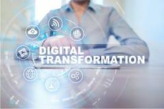 Digital omformning, begrepp av digitization av affärsprocessar och modern teknologi royaltyfri foto