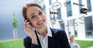 Digital sammansatt bild av affärskvinnan som använder telefonen vid olika symboler mot byggnad royaltyfri illustrationer
