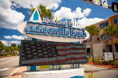 Free Digital Sign Welcome To Jacksonville Beach FL Stock Photo - 182543830