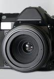 Digital slr Kamera mit Makroobjektiv Lizenzfreie Stockfotografie