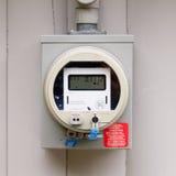 Digital strömförsörjningmeter för bostads- smart raster royaltyfria foton