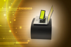 Digital-Tablet-Computer und -laptop Stockfotos