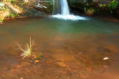Digital-Watercolour des Kaskadenwassers bei drei Grafschaften gehen voran