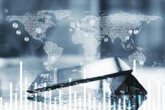 Digital-Weltkarte mit Finanzdiagramm Stockfotos
