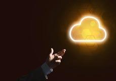 Digital-Wolkenikone als Symbol der drahtlosen Verbindung auf dunklem Hintergrund Lizenzfreie Stockfotos
