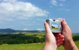 digitala händer för kamera Royaltyfri Bild