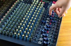 Digitala Live Sound Mixers och musikstudio Royaltyfri Bild