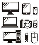 Digitale apparaten in zwarte geplaatste kleurenpictogrammen Royalty-vrije Stock Afbeeldingen