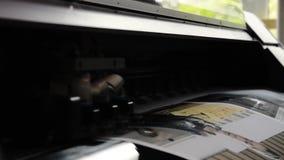 Digitale de Drukbeweging van Printerhead moving plotter het Werk Materiaalproductie stock footage