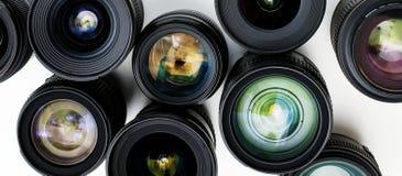 Digitale die lens op witte achtergrond wordt geïsoleerd Stock Foto's