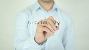 Digitale Media Strategie, die op het Transparante Scherm schrijven stock video