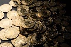 Digitale muntstukken van de technologische leeftijd royalty-vrije stock afbeeldingen