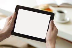 Digitale tablet in woonkamer (met het scherm clippin Stock Foto's