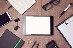 Digitale tabletspot op malplaatje op bureau Mening van hierboven Royalty-vrije Stock Foto's