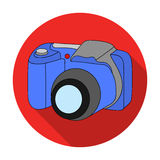Digitalkameraikone in der flachen Art lokalisiert auf weißem Hintergrund Familienurlaubsymbolvorrat-Vektorillustration Lizenzfreies Stockfoto