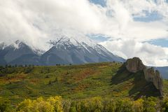 Digues volcaniques sur les crêtes espagnoles Photo libre de droits
