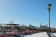 Dijk en het Kremlin Kazan, Rusland Stock Afbeeldingen