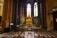Dijon, Frankrijk - april 22 2016: kathedraal Stock Foto's