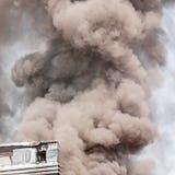 Dikke donkere rook Stock Fotografie