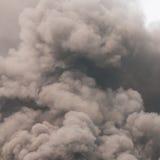 Dikke donkere rook Royalty-vrije Stock Afbeelding