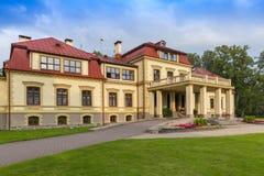 Dikli-Palast außen in Lettland lizenzfreie stockfotografie