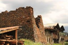 Diklo by, Tusheti region (Georgia) royaltyfria bilder