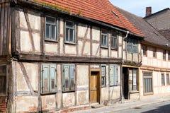 Dilapidated полу-timbered дом стоковая фотография rf