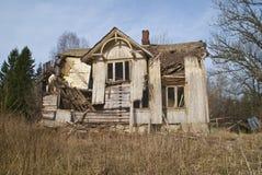 Dilapidated hus. Fotografering för Bildbyråer