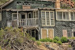 Dilapidated plattelandshuisje Crystal Cove California stock afbeelding