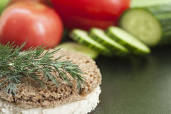 Dill, Brot und Gemüse Stockbild