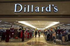 Dillards Wydziałowego sklepu przód w mesy Arizona zakupy Salowym centrum handlowym obraz royalty free