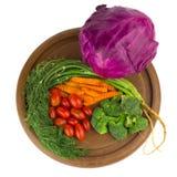 dilled Dziecko pomidory marchew brokuły Kapuściane purpury na starym ch fotografia stock