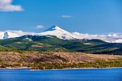Dillon Reservoir och svanberg Steniga berg, Colorado royaltyfria foton