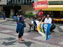 Dilma Rousseff vs den Aecio Neves aktionen royaltyfri foto