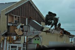 Diluvio del tornado del huracán de la lluvia del daño de la tormenta de la inundación imagen de archivo libre de regalías