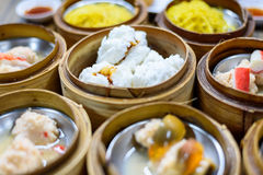Dim sum in bamboo steamer Royalty Free Stock Photos