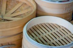 Dim sum i bambuångare, kinesisk kokkonst Fotografering för Bildbyråer